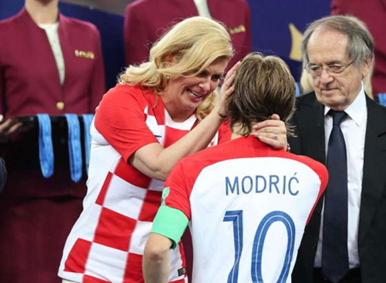 Croatian president wins hearts smiling in defeat