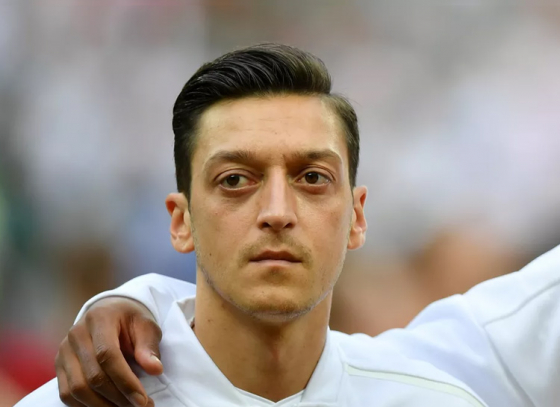 Özil quits International football