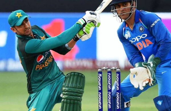 India defeat Pakistan to confirm final spot