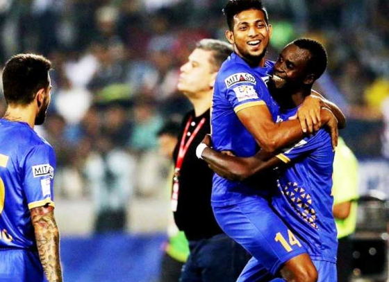 Fernandes and Sougou Stars In Mumbai Win