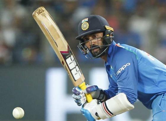 Sunil Gavaskar picks Dinesh Karthik as a reserve opener in the ICC World Cup