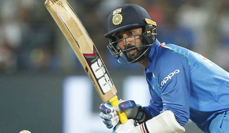 Sunil Gavaskar picks Dinesh Karthik as a reserve opener in the ICC World Cup