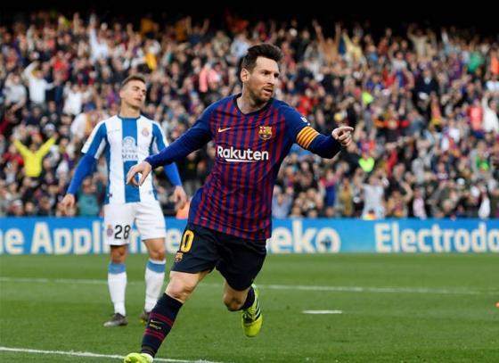 Lionel Messi Leads Barcelona to 1st Position in La Liga