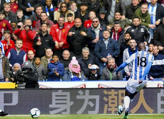 Huddersfield Town Restricts Manchester United's Top 4 Chances
