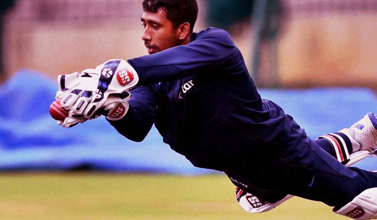 Indian wicket keeper underwent finger fracture surgery